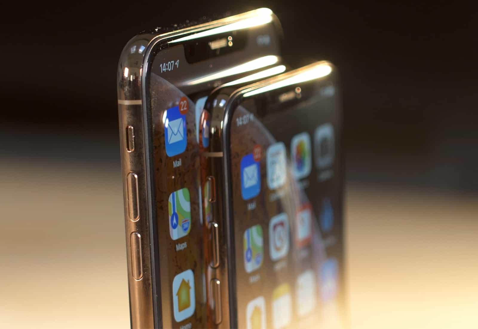 OLED iPhones