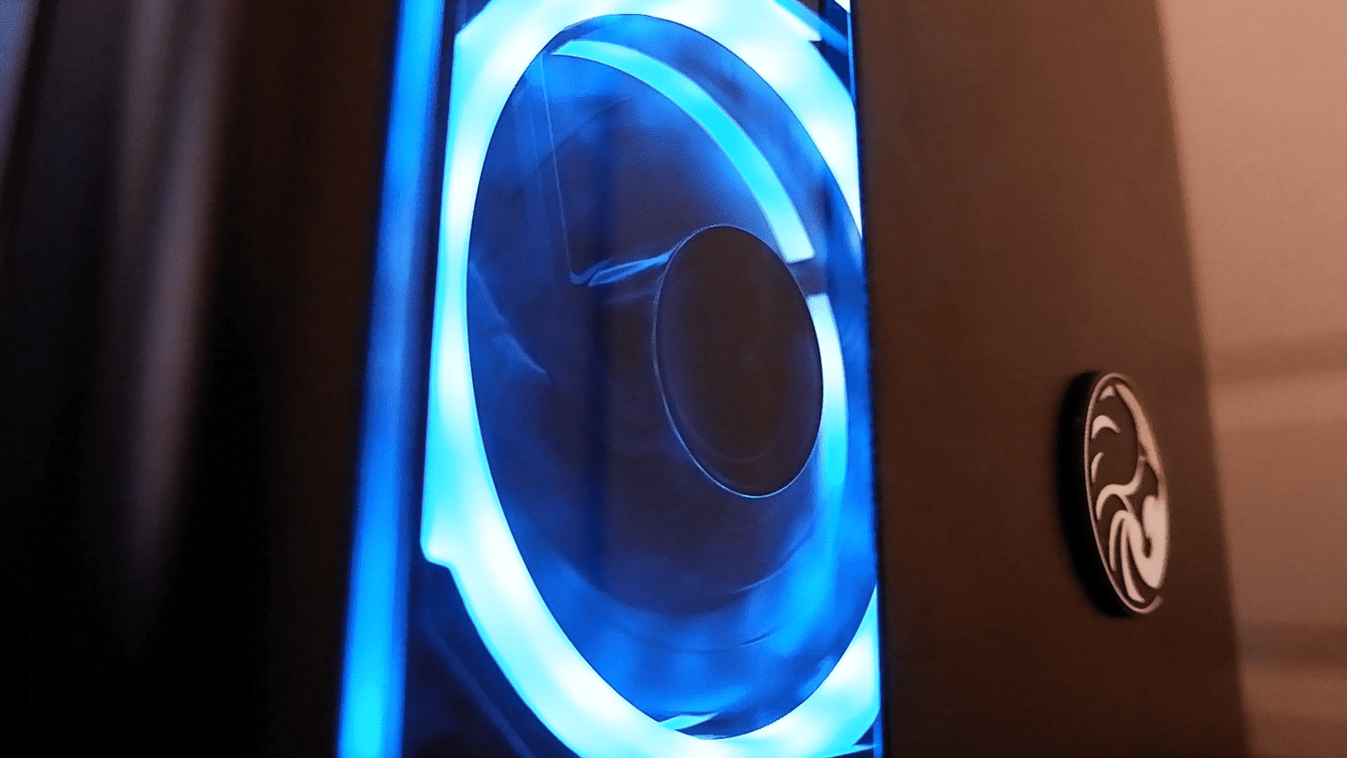 Review: We Put the New Evetech Hero ATX Gaming PC Case to