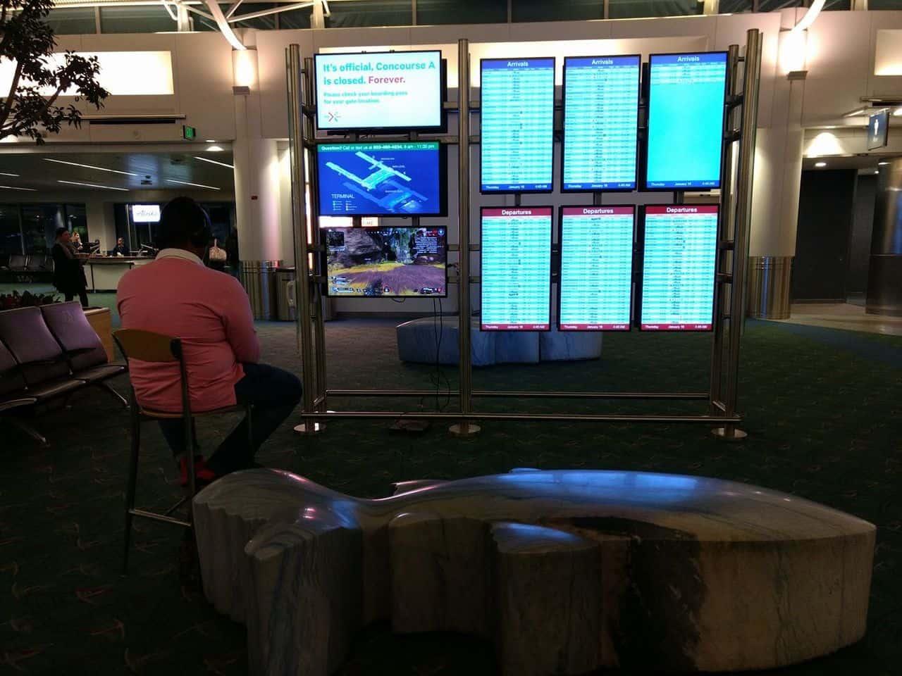 Apex Legends Airport Monitor